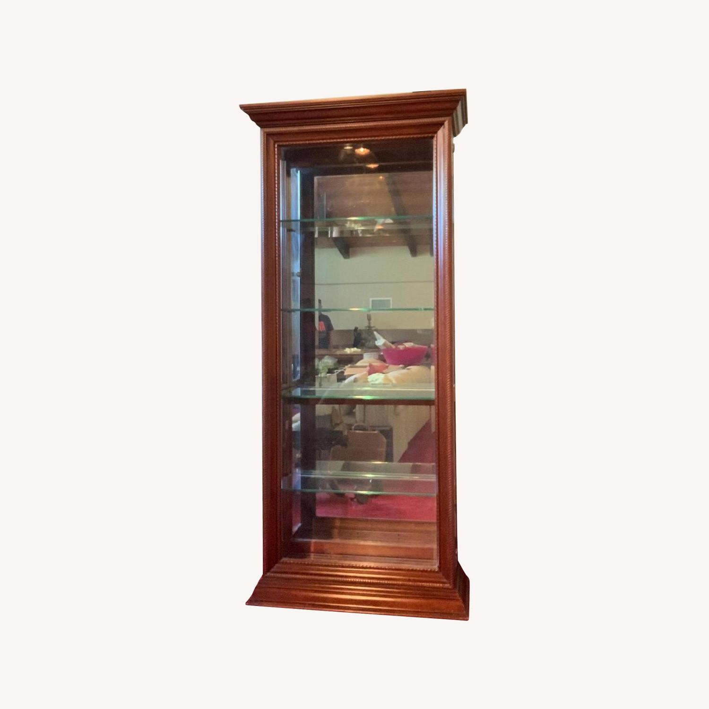 Pulaski Furniture Cherry Curio Cabinet w/ Lighting