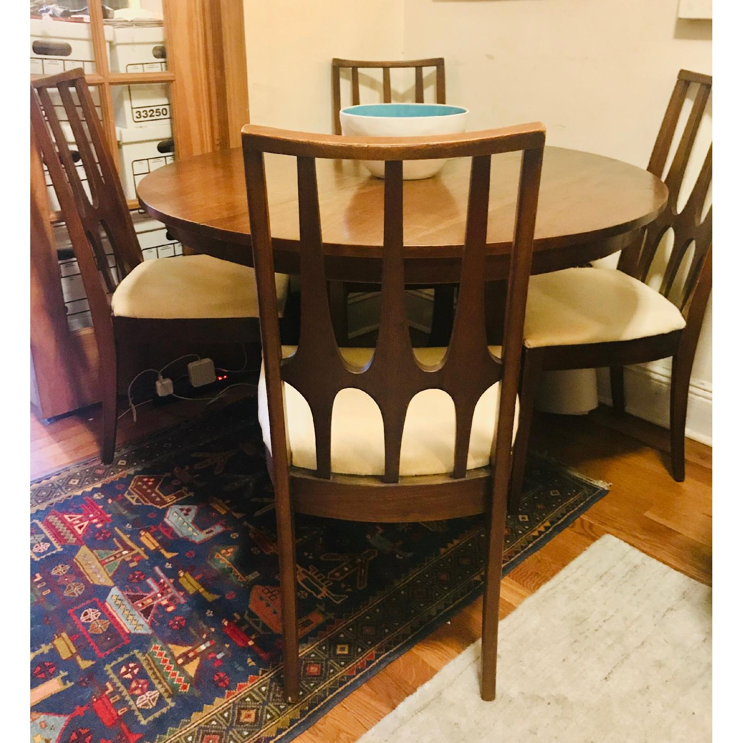 Broyhill Antique Mid Century Expandable 5-Piece Dining Set - image-7