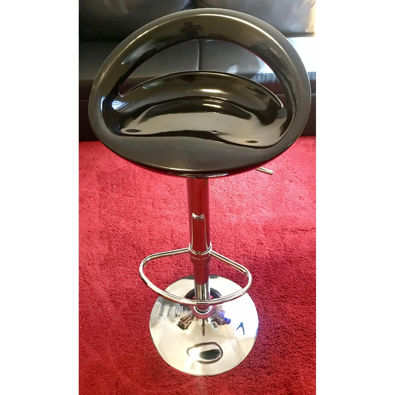 Pneumatic Adjustable Height Swivel Bar Stools - image-3