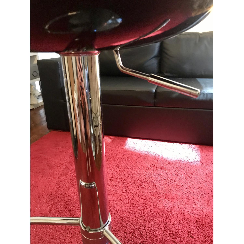 Pneumatic Adjustable Height Swivel Bar Stools - image-10