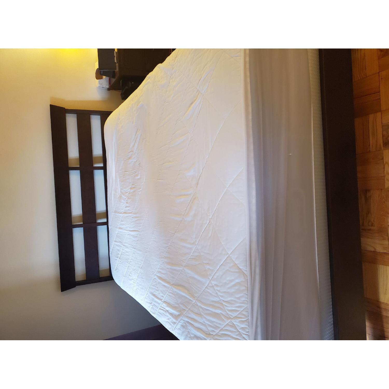 Ethan Allen Horizon Queen Size Lotus Bed - image-1