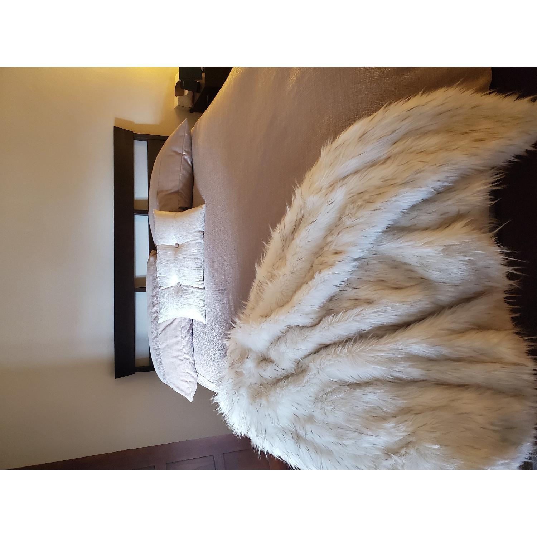 Ethan Allen Horizon Queen Size Lotus Bed - image-4