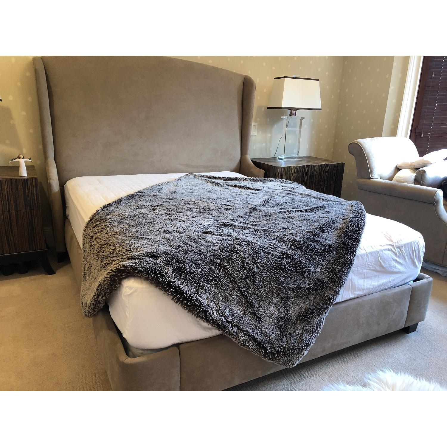 Modern Queen Size Bed - image-5
