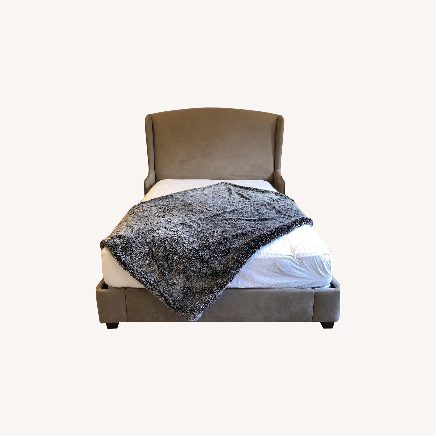 Modern Queen Size Bed - image-0