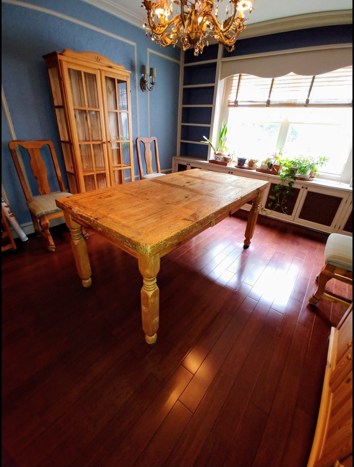 Pine Wood Dining Table w/ 6 Chairs