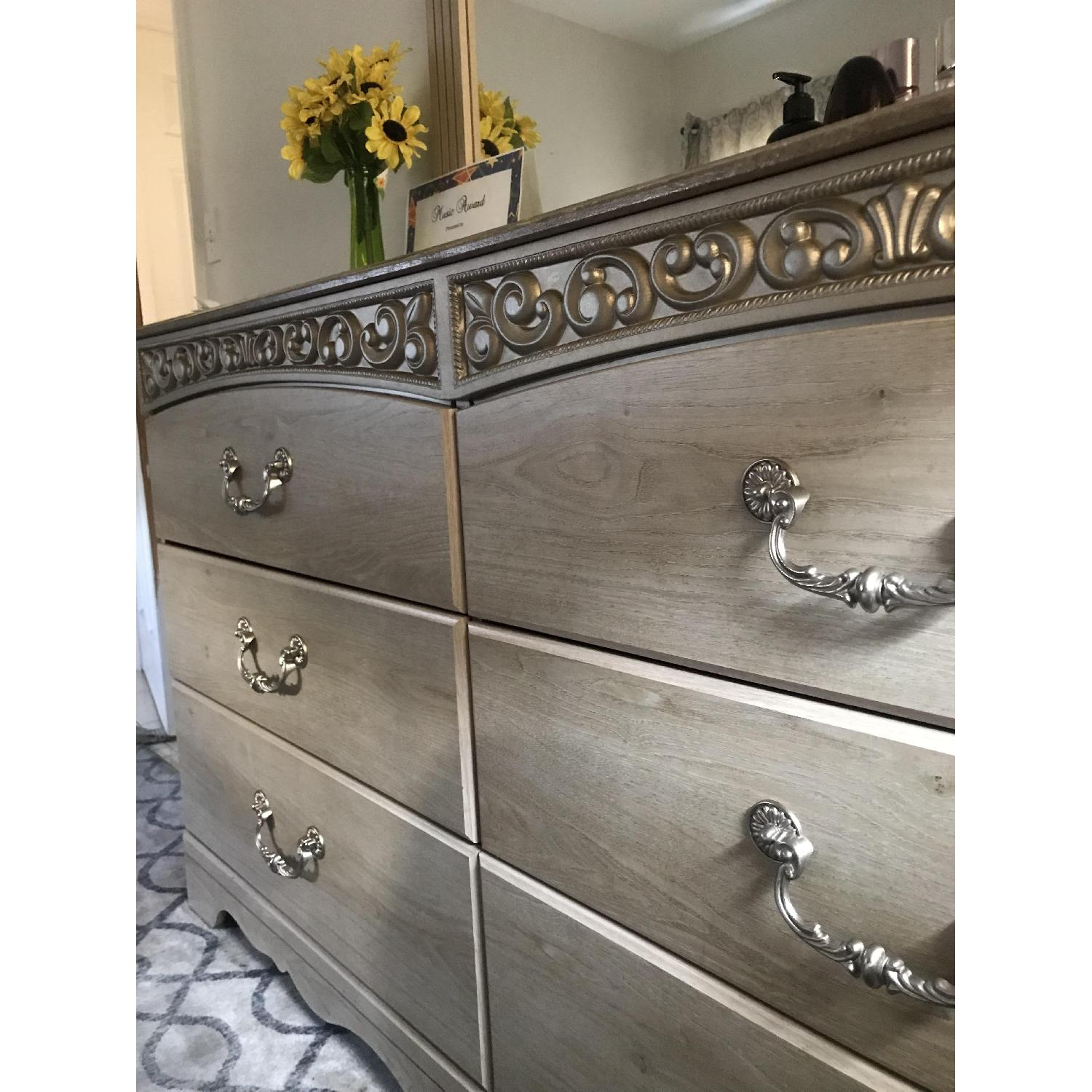 Ashley Catalina 6-Drawer Dresser w/ Mirror - image-5