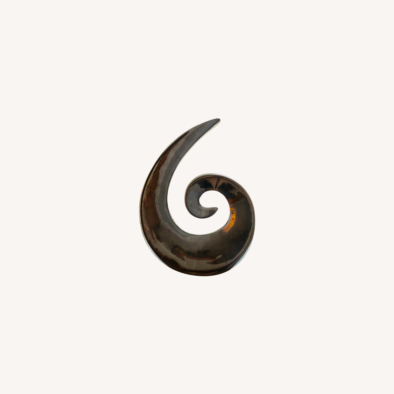 Silver Swirl Accent Piece
