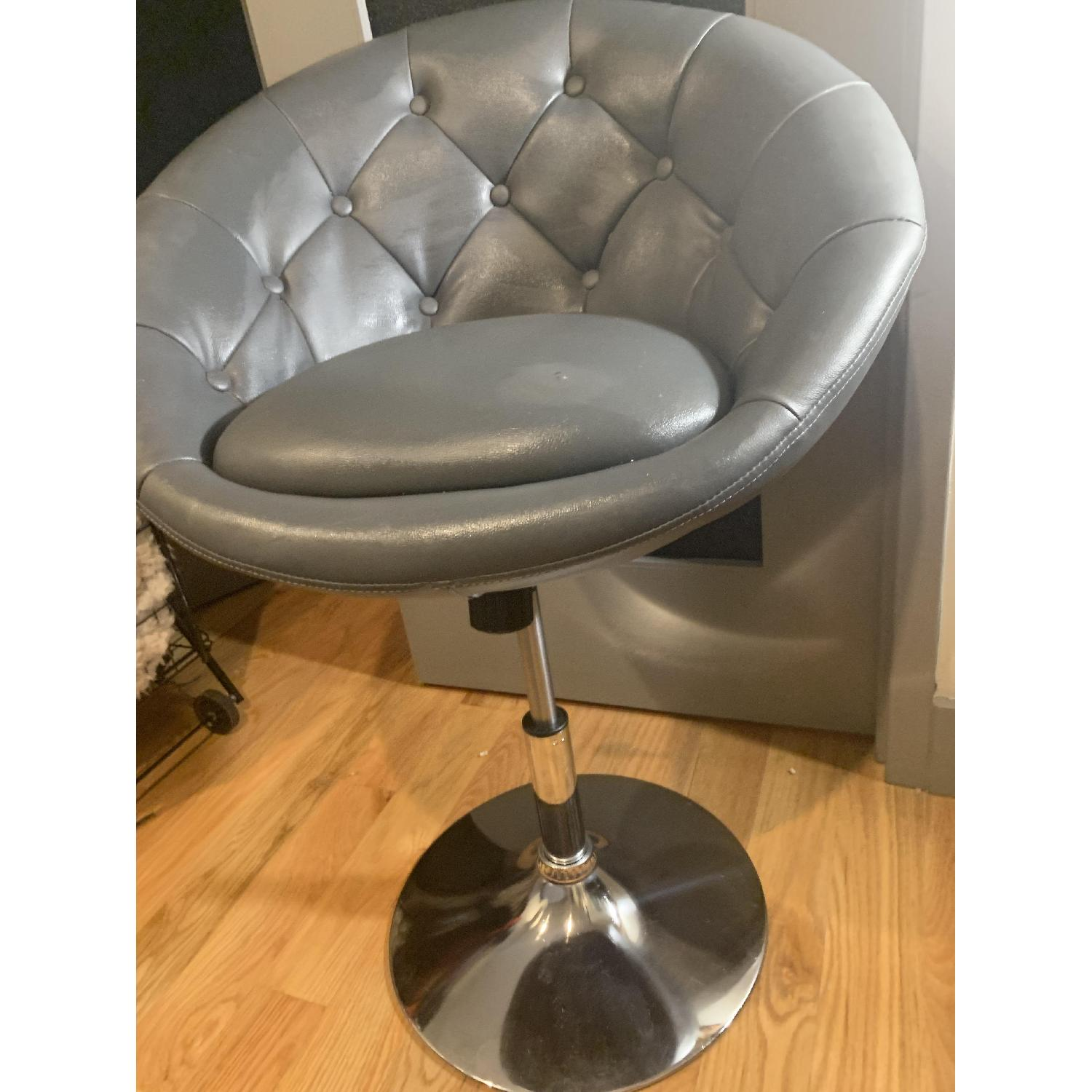 Round Hill Furniture Round Tufted Accent Chair - image-2