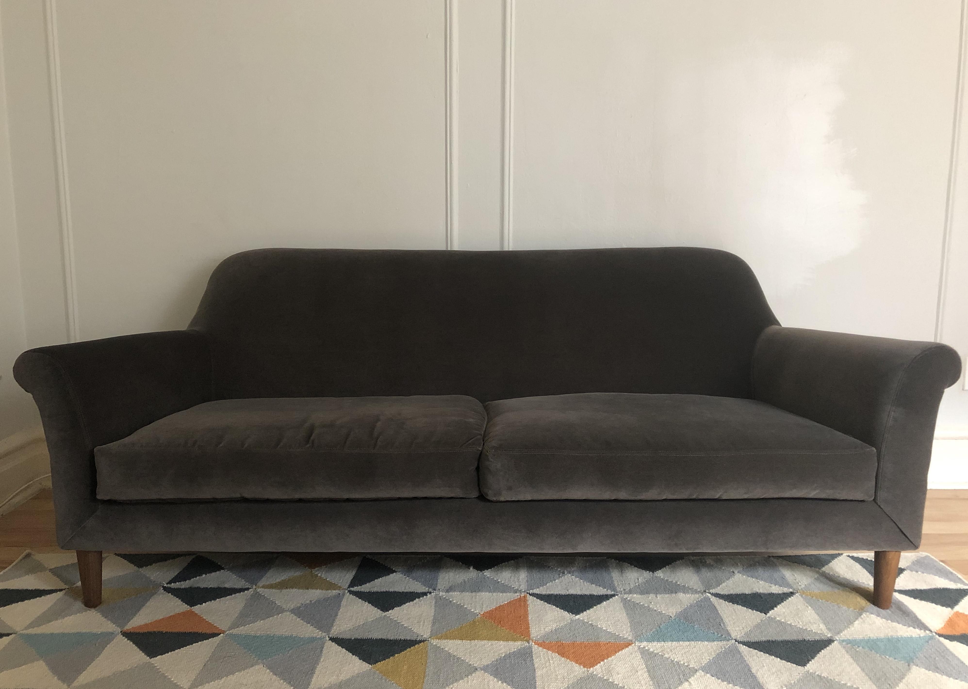 Crate & Barrel Cullen Apartment Sofa in Winthrop Graphite