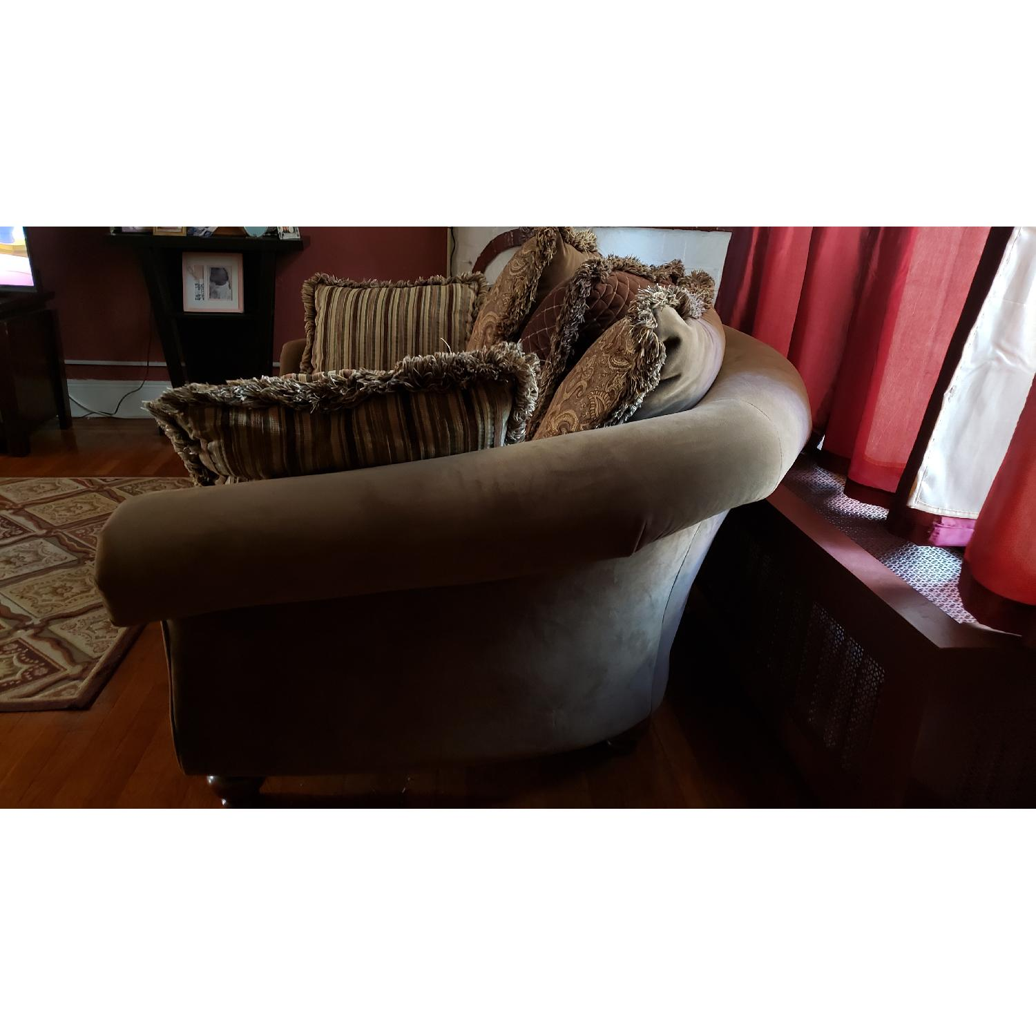Raymour & Flanigan Chair and a Half - image-1