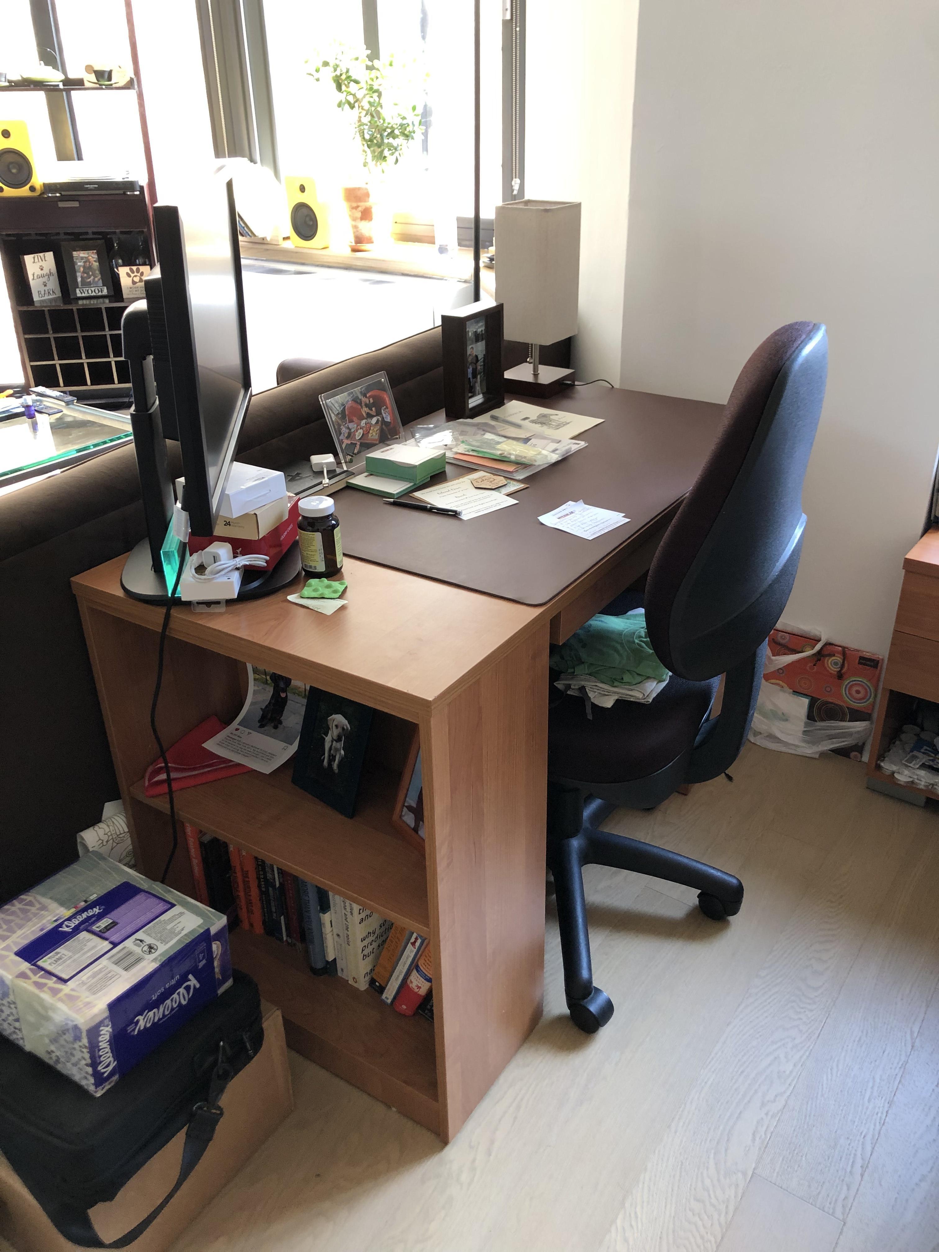 Wooden Desk w/ Drawers