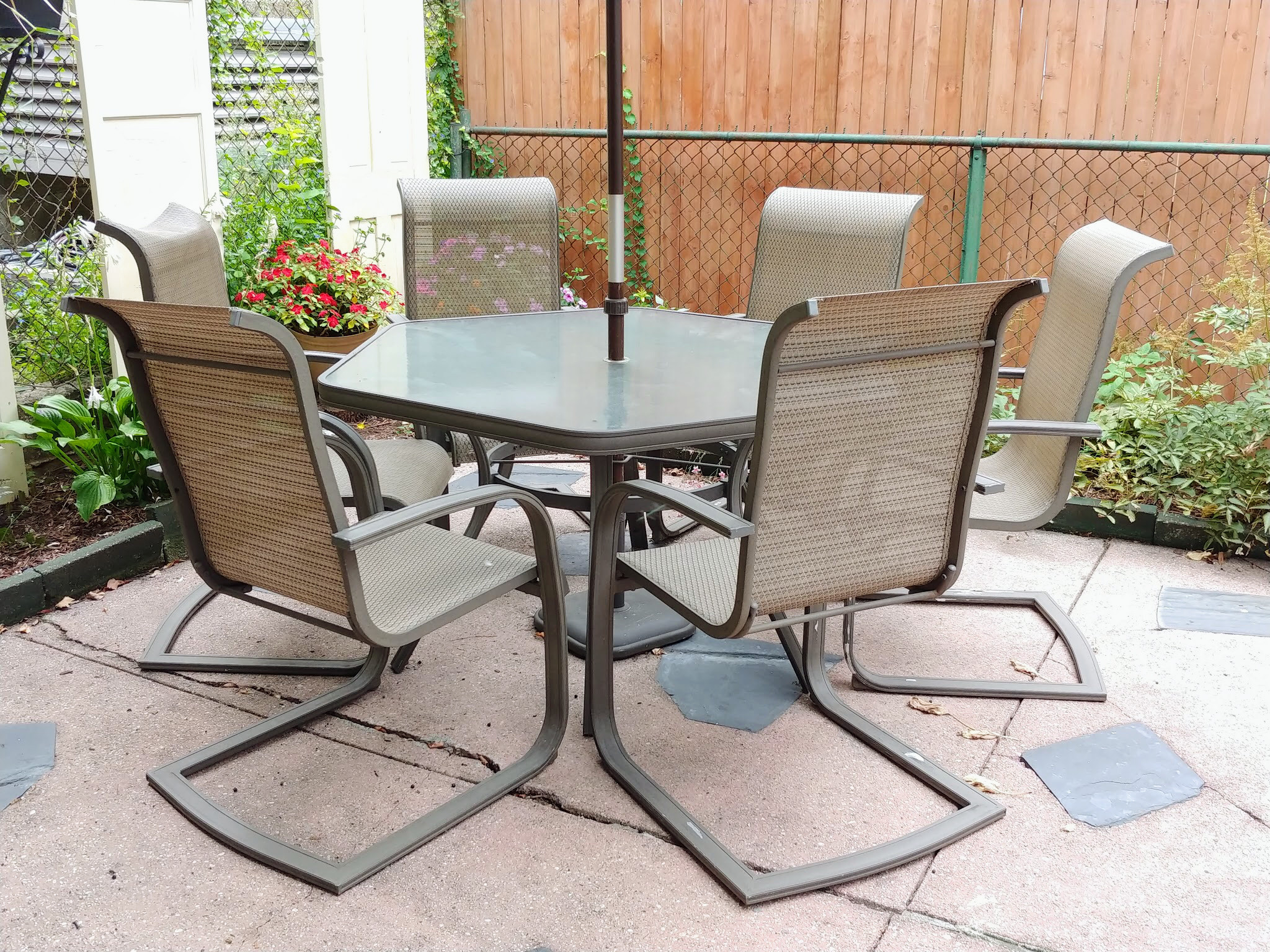 Outdoor Dining Table w/ 6 Chairs