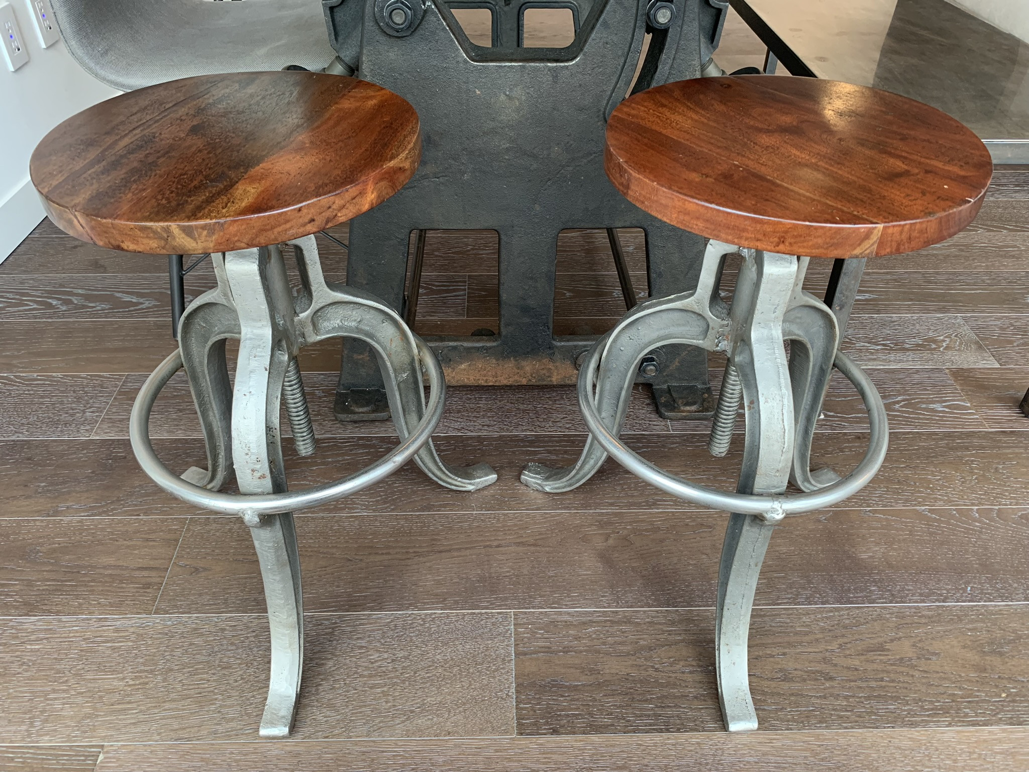 Adjustable Height Industrial Counter Stools
