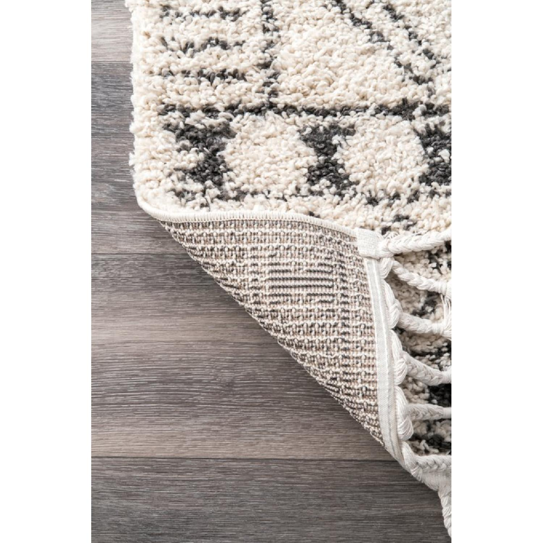 nuLOOM Off White & Greyish Area Rug - image-3