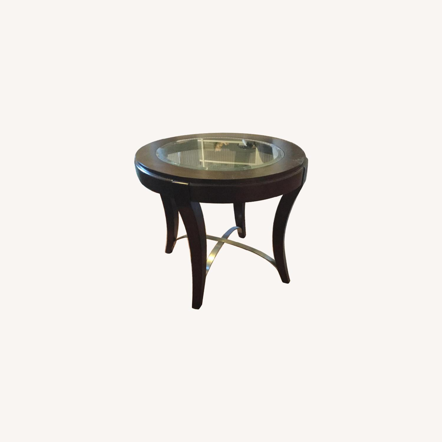 Raymour & Flanigan End Table w/ Glass Insert - image-0