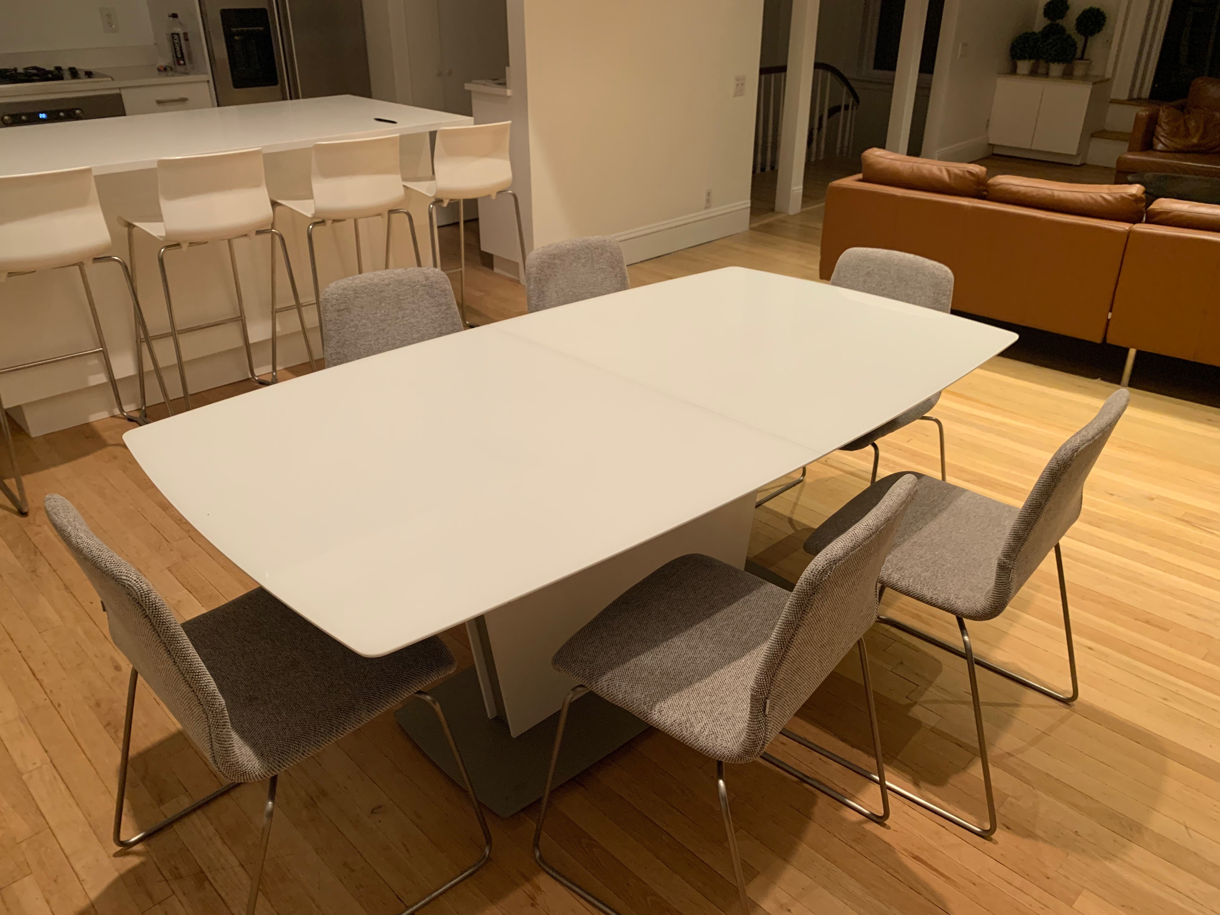 BoConcept Table w/ Supplementary Table Top & 6 Chairs