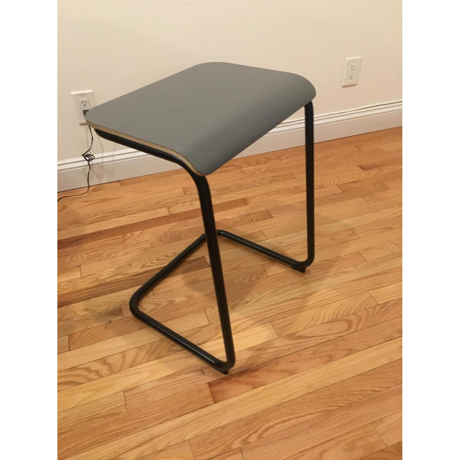 Knoll Toboggan Pull Up Table - image-2