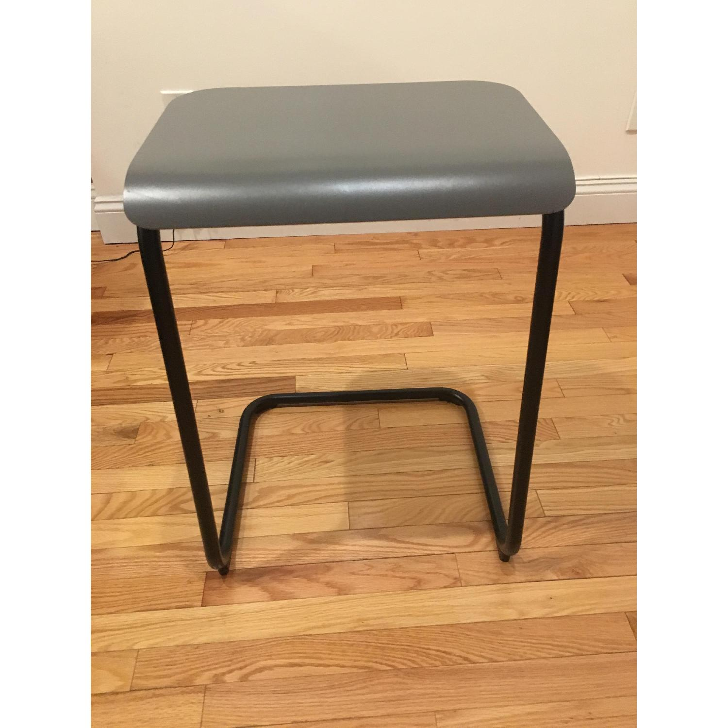 Knoll Toboggan Pull Up Table - image-1