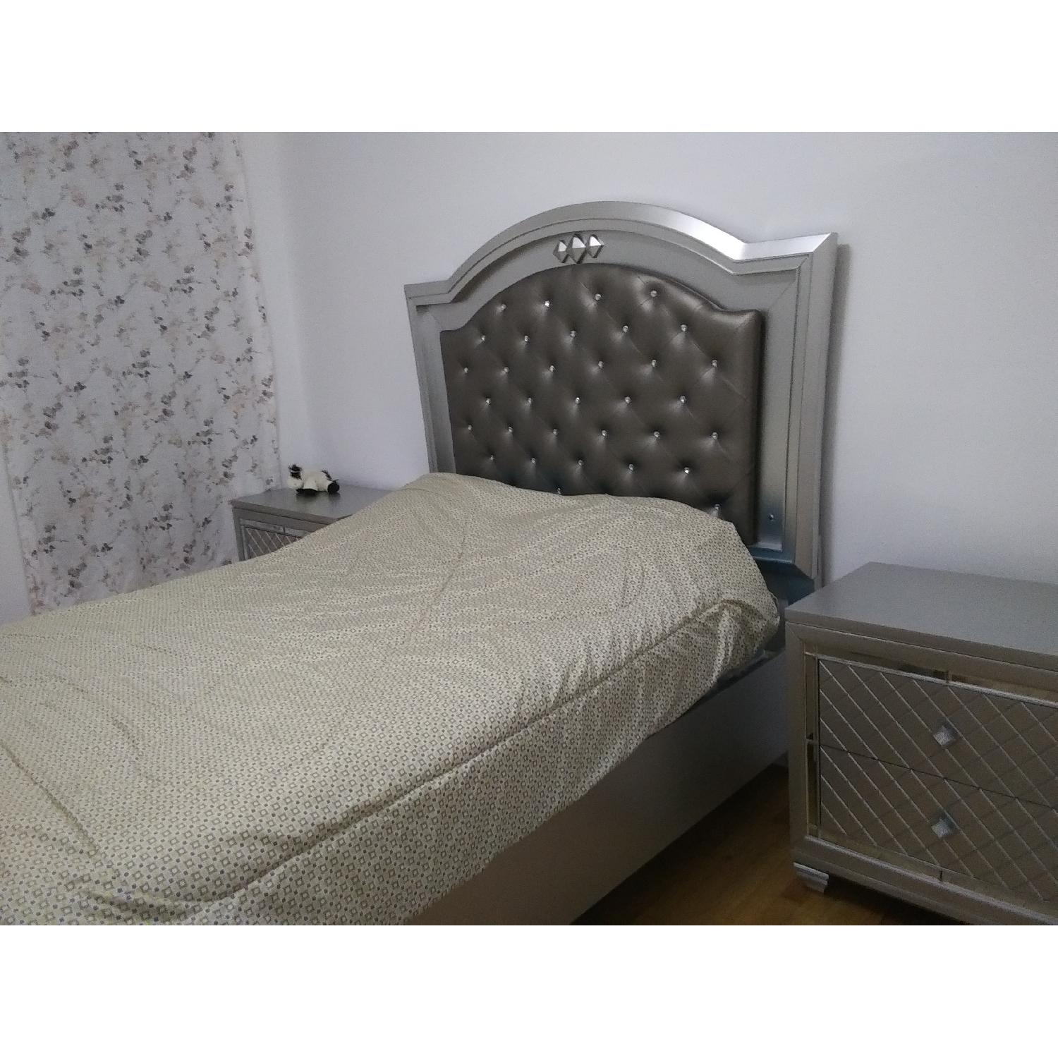 Silver Queen Size Bed w/ Storage & Lights - image-2