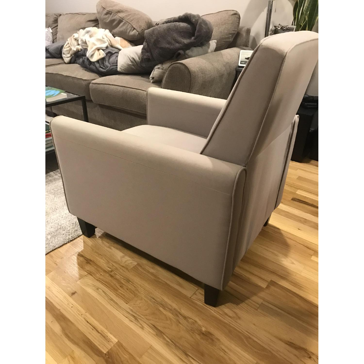 Darvis Pushback Recliner - image-3