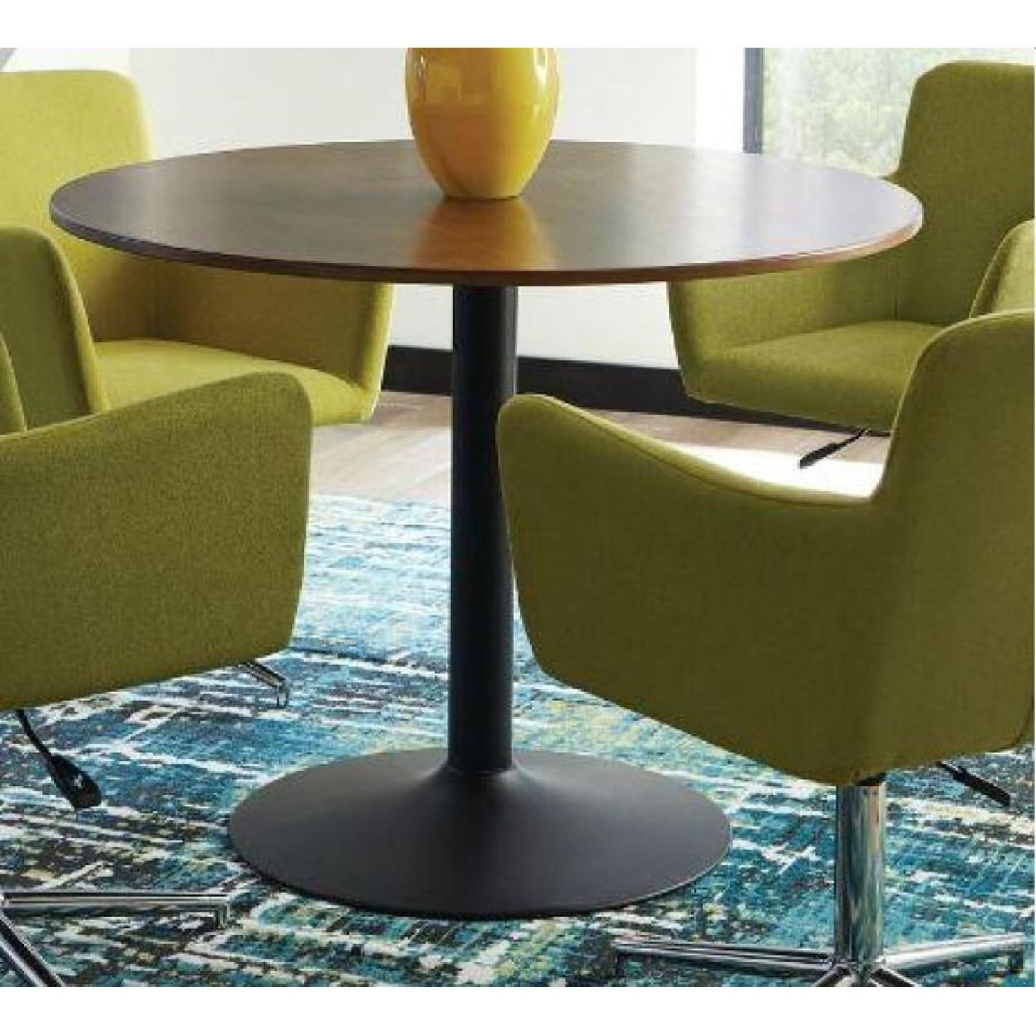 Mid Century Modern Style Dining Table in High Gloss Finish - image-6
