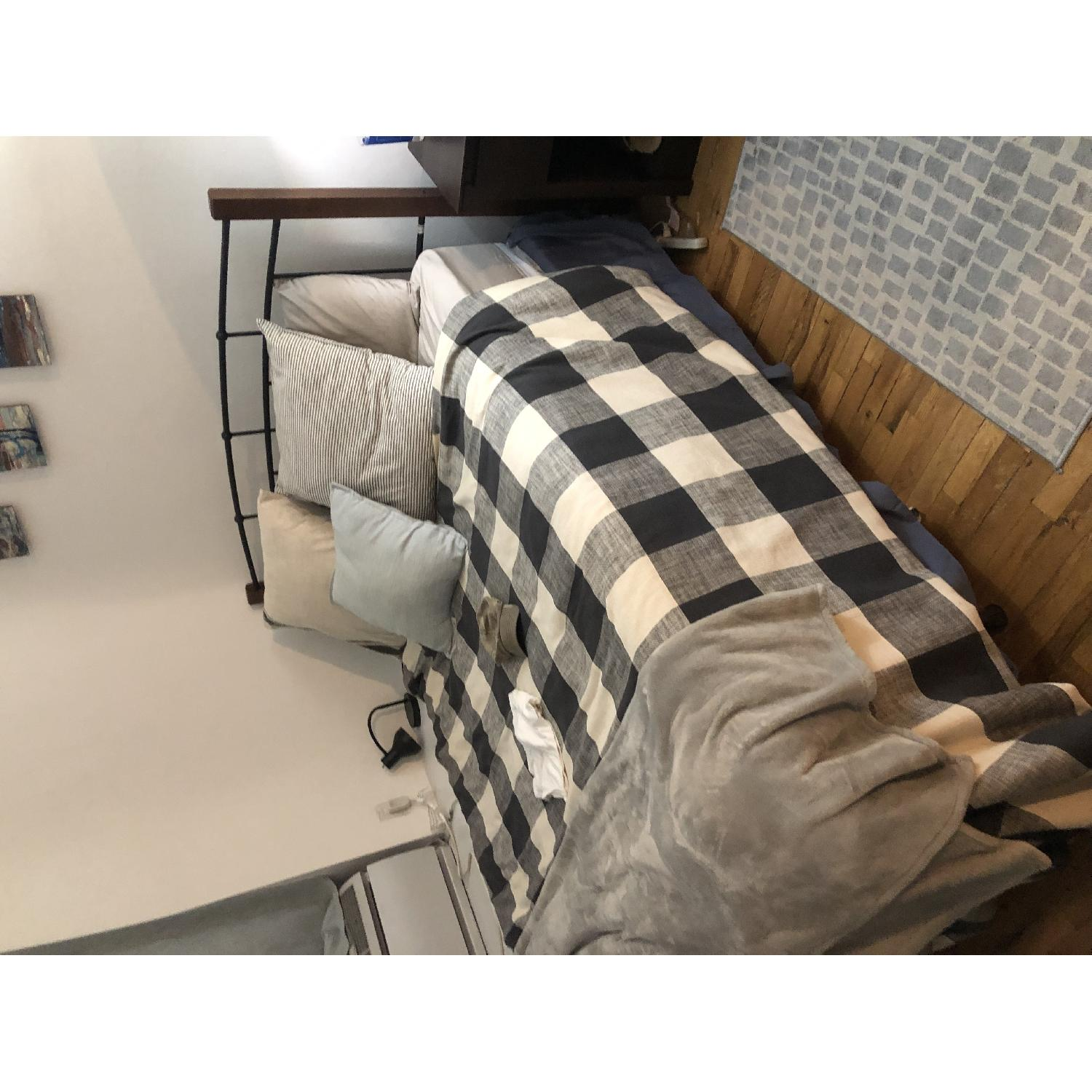 Fine Sealey Furniture Pc Richards Queen Size Bed Aptdeco Gamerscity Chair Design For Home Gamerscityorg