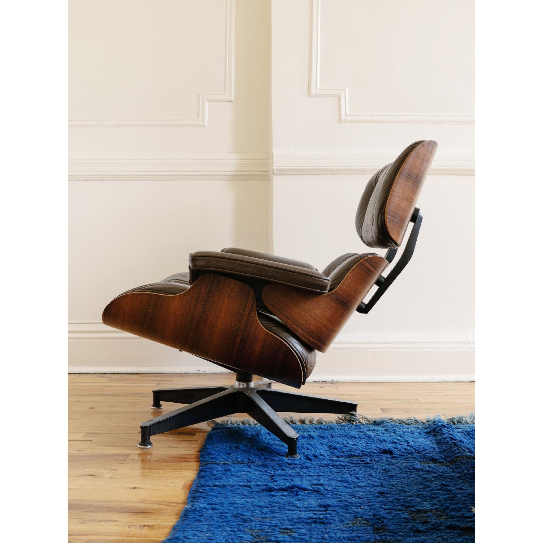 Herman Miller 1981 Vintage Eames Lounge Chair & Ottoman - image-2