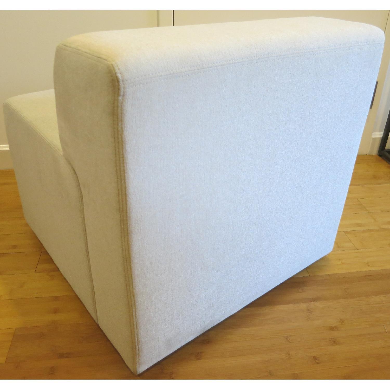 Knoll k. lounge Single Seat Sofa in Stone - image-1