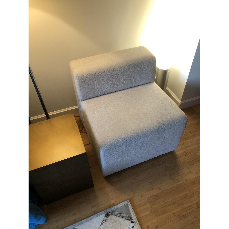 Knoll k. lounge Single Seat Sofa in Stone - image-6