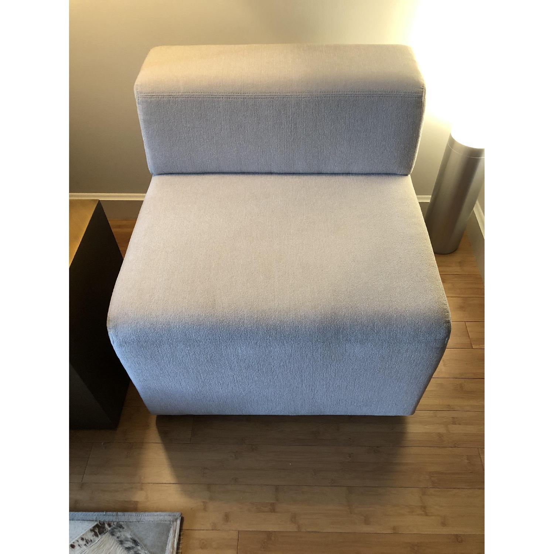 Knoll k. lounge Single Seat Sofa in Stone - image-7