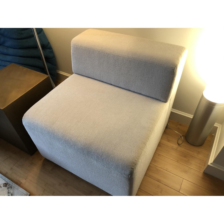 Knoll k. lounge Single Seat Sofa in Stone - image-8