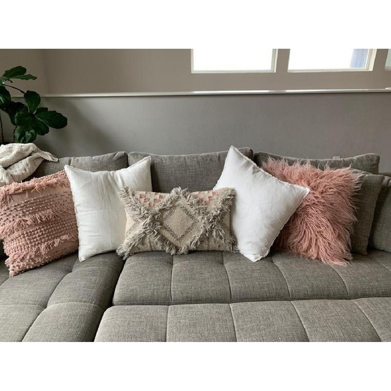 Fringed Fuchsia Design Linen Throw Pillow - image-2