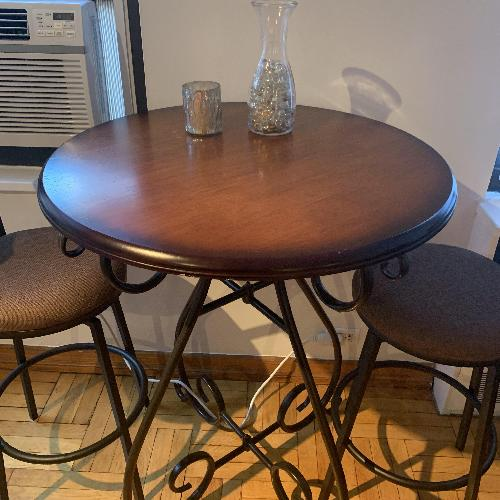 Pier 1 Chesington Table w/ 2 Counter Stools