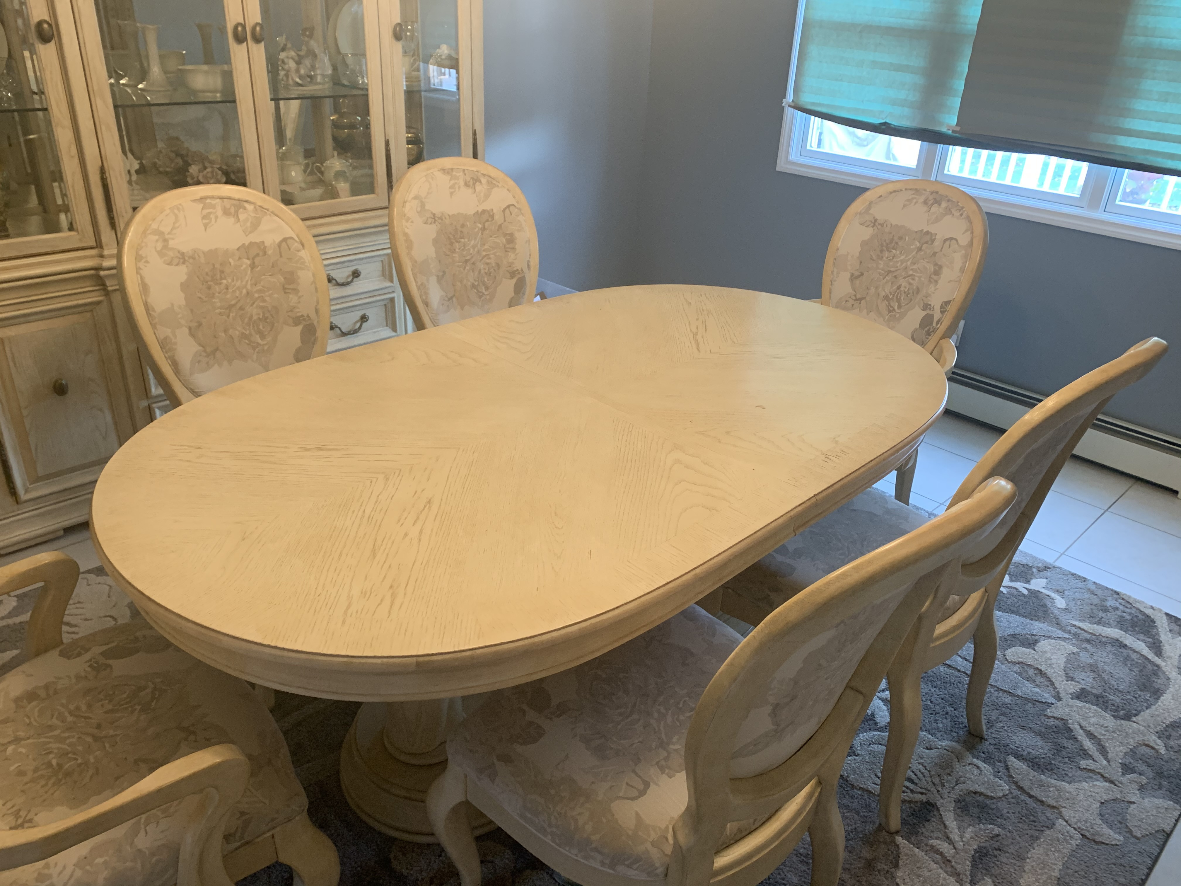 Bernhardt Dining Table w/ 6 Chairs
