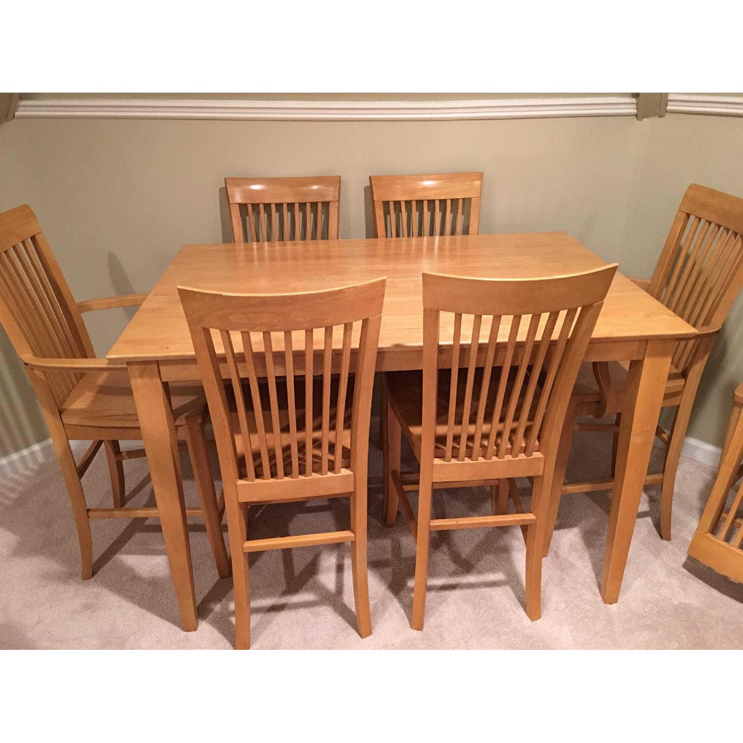 Kitchen Table w/ 8 Chairs