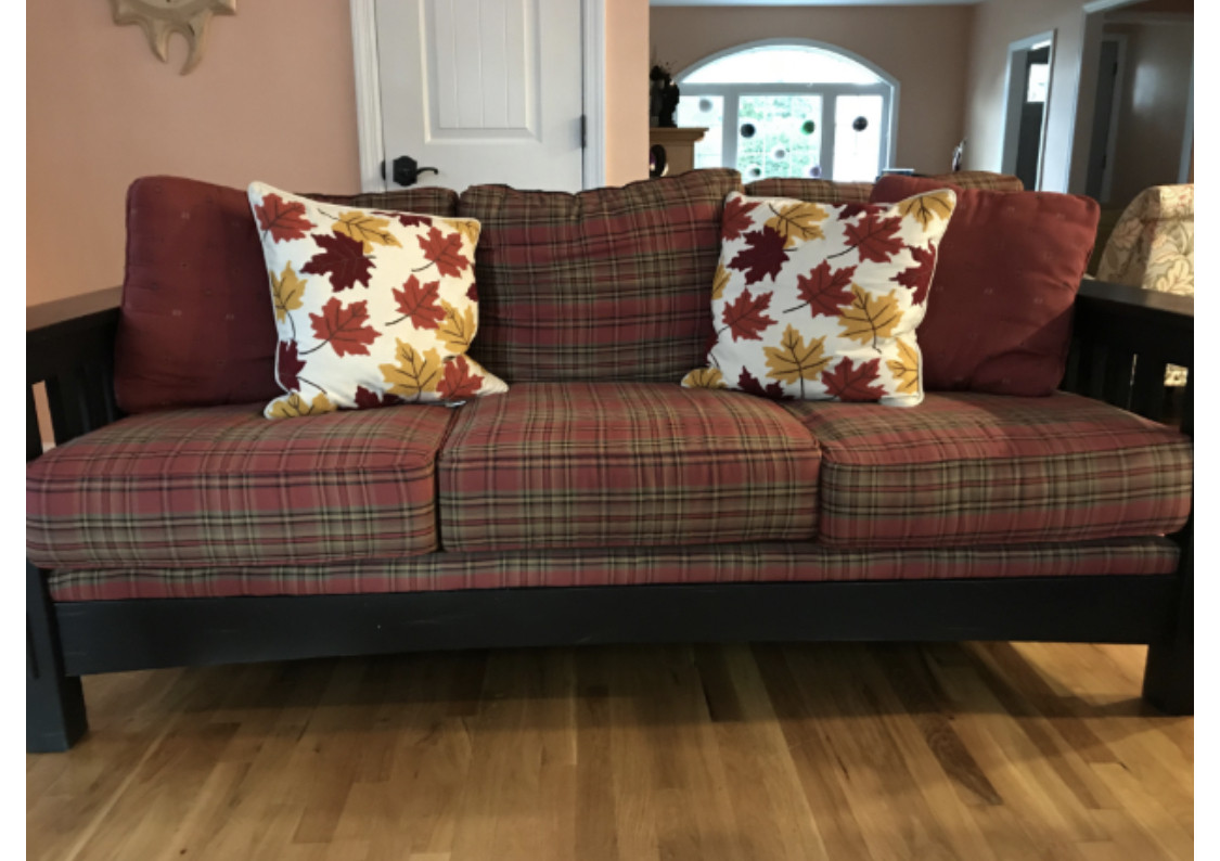 Broyhill Furniture Plaid Upholstered 3-Seater Sofa