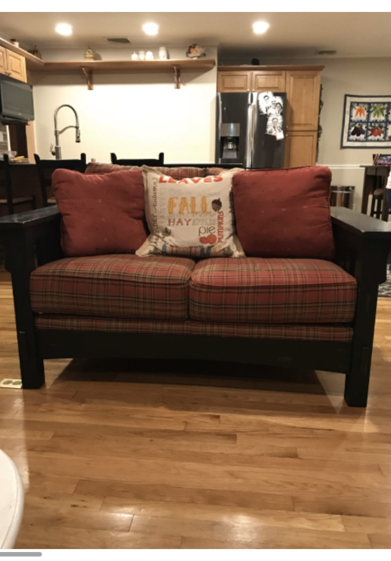 Broyhill Furniture Plaid Upholstered Loveseat