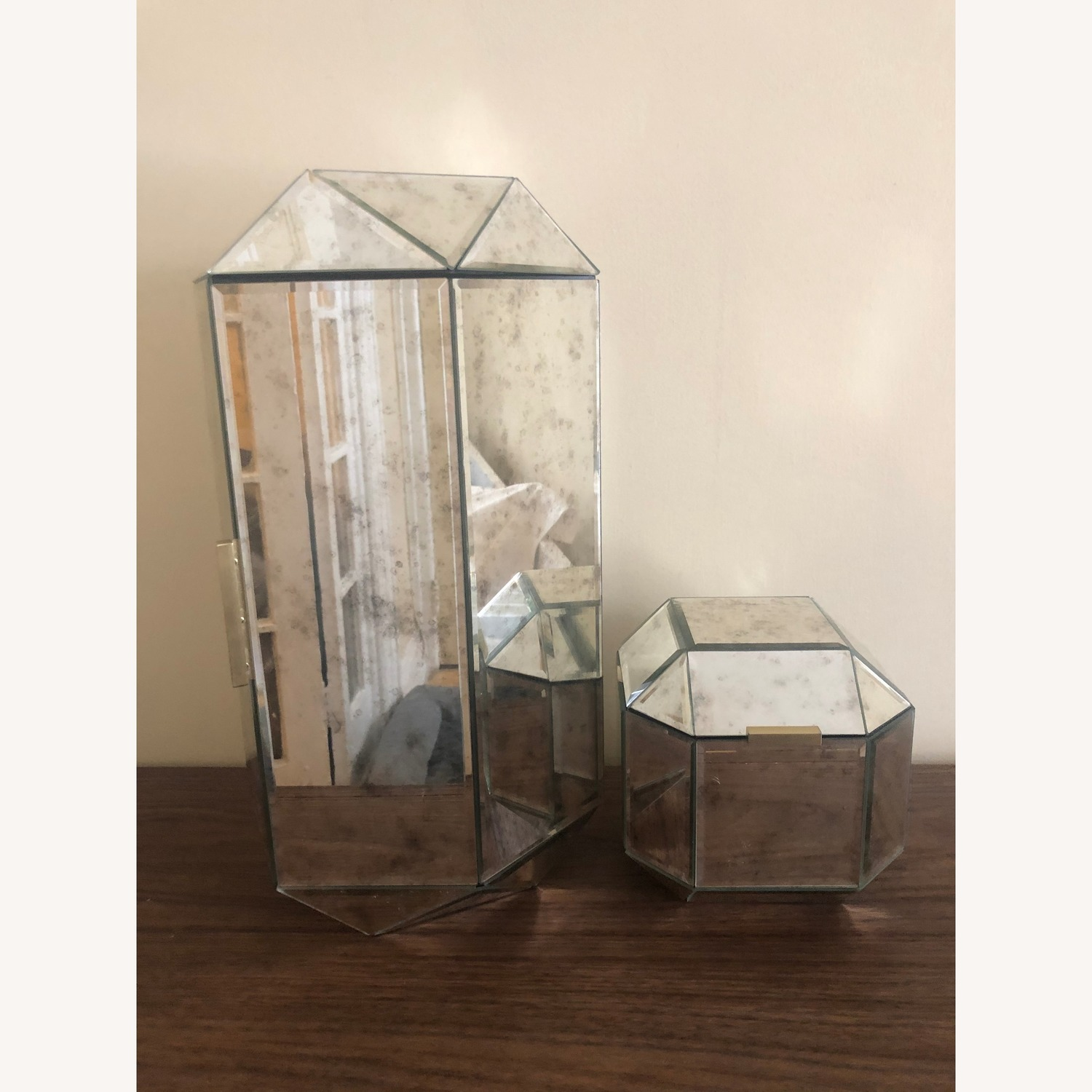 West Elm Vintage-Style Faceted Mirrored Jewelry Box - AptDeco