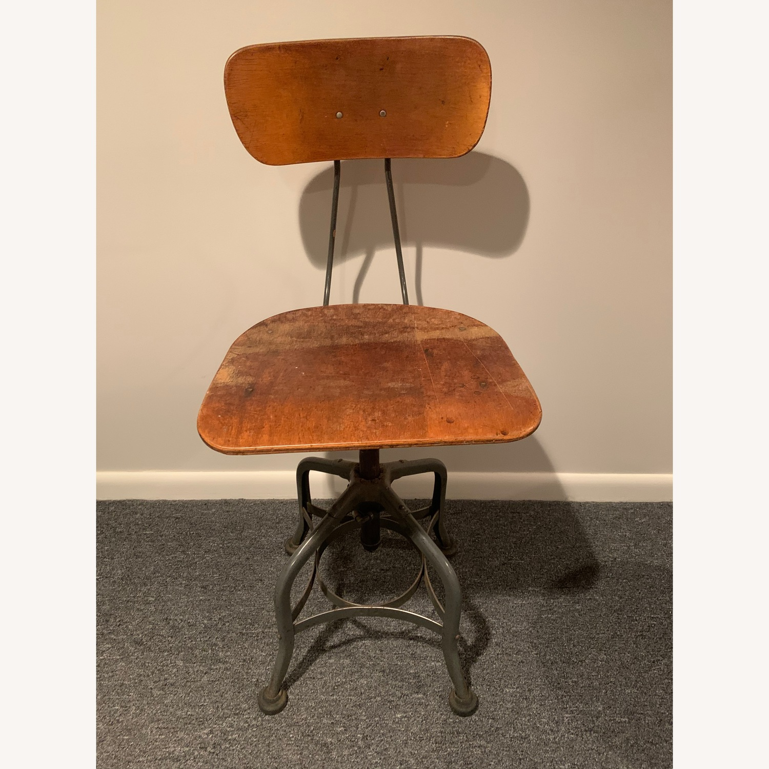 Pleasant Vintage Drafting Stool Chair Aptdeco Caraccident5 Cool Chair Designs And Ideas Caraccident5Info