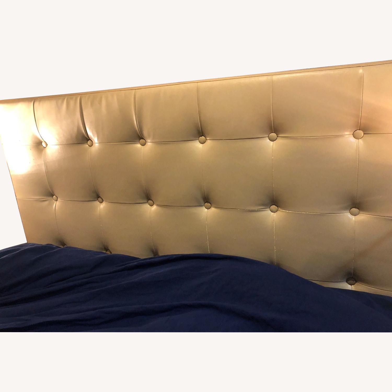 Enjoyable Pier 1 Hannah Tufted Queen Headboard Aptdeco Ibusinesslaw Wood Chair Design Ideas Ibusinesslaworg