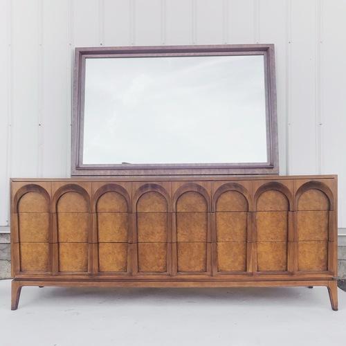 Thomasville Mid-Century Dresser w/ Mirror