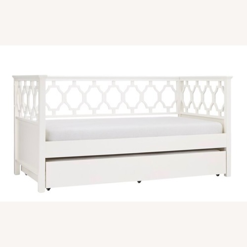 Mistana White Twin DayBed