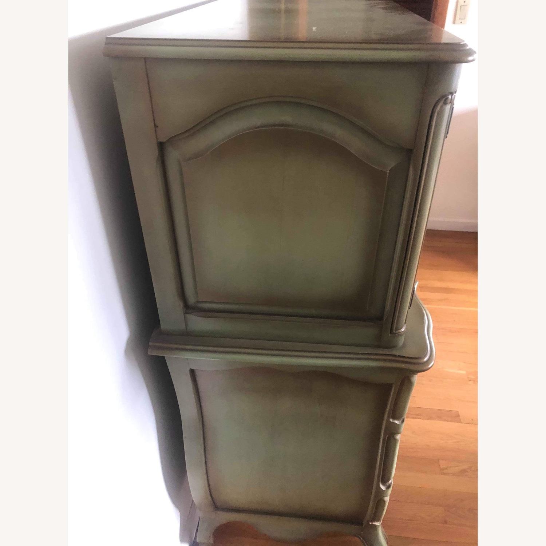 Vintage 1970s French Provincial Dresser - image-4