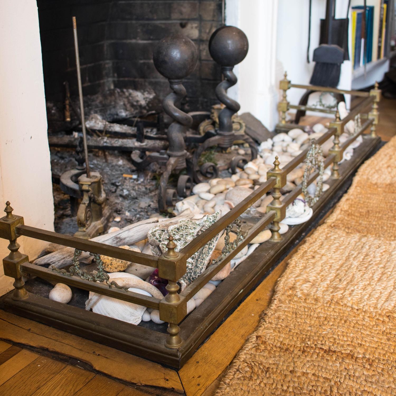 Vintage Brass 3-piece fireplace set: Fender & Andirons - image-2