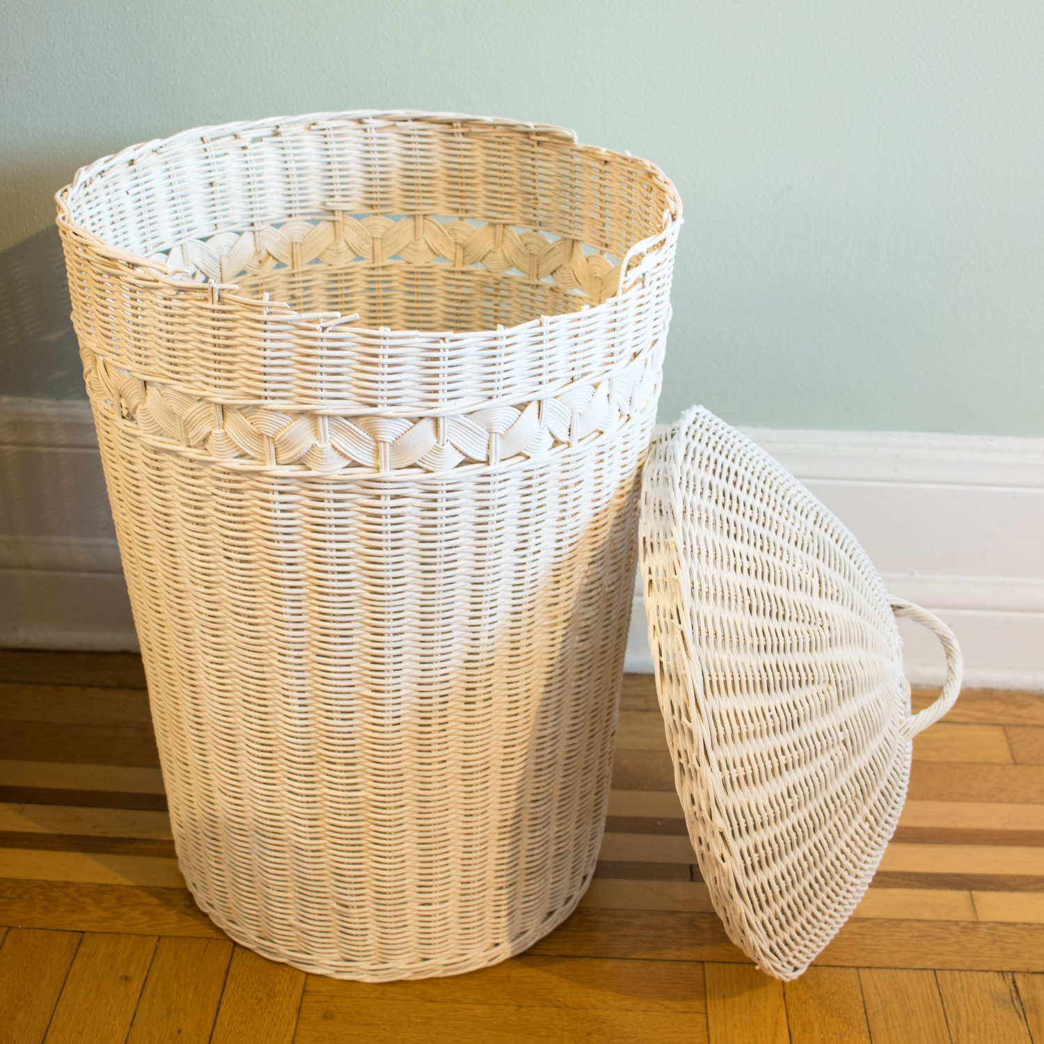 Round Wicker Basket for Blanket or Laundry Storage