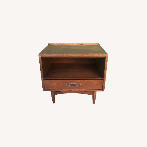 Used Mid century nightstand with single drawer by Broyhill for sale on AptDeco