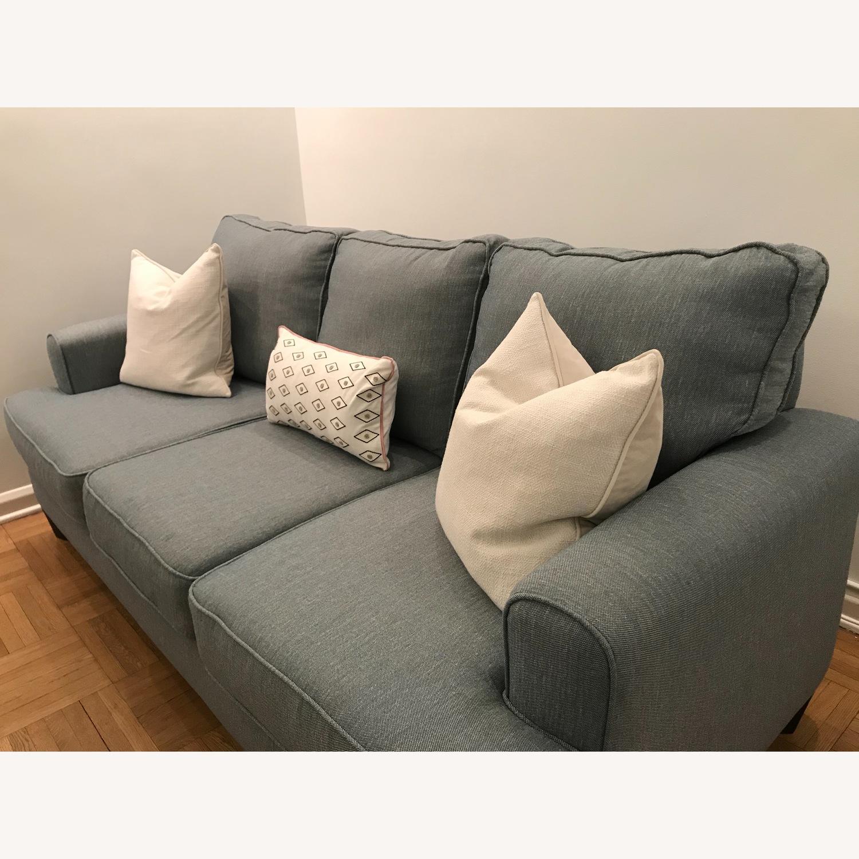 Raymour & Flanigan Comfortable 3 Seater Sofa - image-3