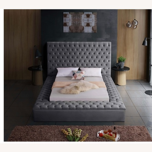 Used Beautiful tufted velvet storage bed for sale on AptDeco