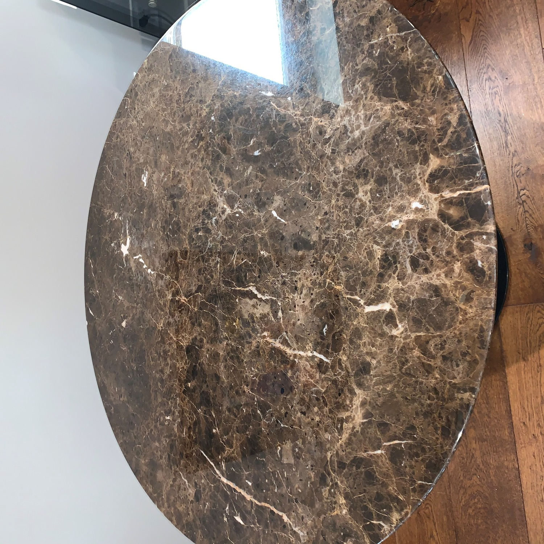Knoll Saarinen Round Dining Table