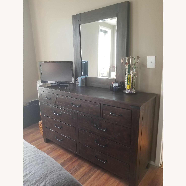 Raymour & Flanigan Solid Pine 9-Drawer Horizontal Dresser